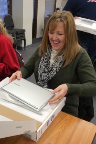 Teachers integrate Chromebooks into the classroom