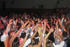 Circle up for a dance at prom. (photo by Jephthah Yarian)