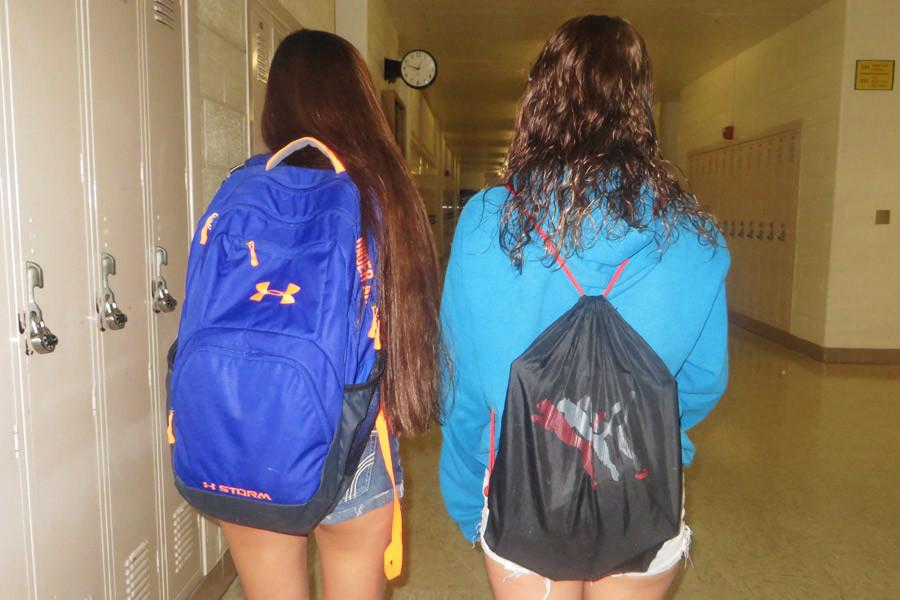 Students adjust to enforcement of only drawstring backpacks in class