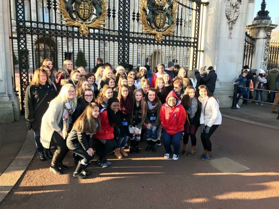 2017 kicked off with five West cheerleaders, 2018 seniors Maddy Seago, Rachel McCullough, Sydney Heskett, 2017 graduates Abbie Kolberg, and Xana Simpson coming back from London on Jan. 2 after qualifying as All-American Cheerleader and performing in the New Year's Day Parade.