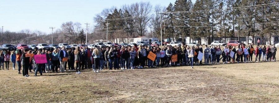 On+Mar.+14%2C+schools+across+the+nation+took+part+in+a+walkout+aimed+to+end+gun+violence.