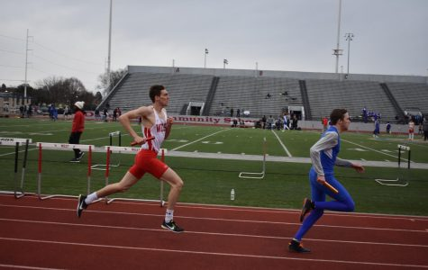 Boys track team goes to Drake