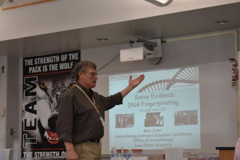 Mike Zeller visits Davenport West's biology classes