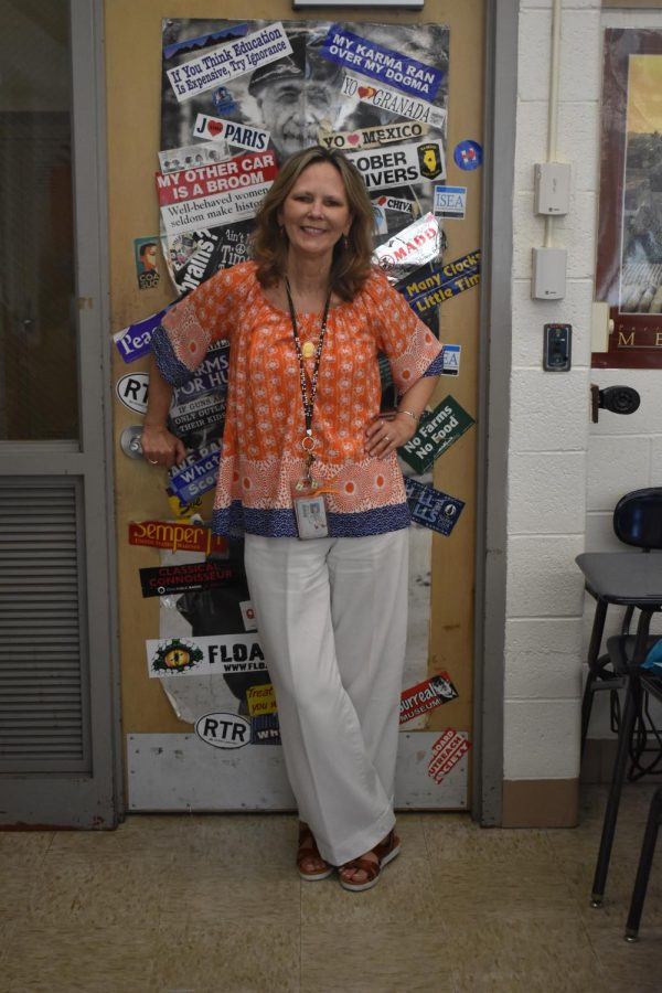 Spanish teacher Barbara Lipnick retires after 28 years of teaching at West.